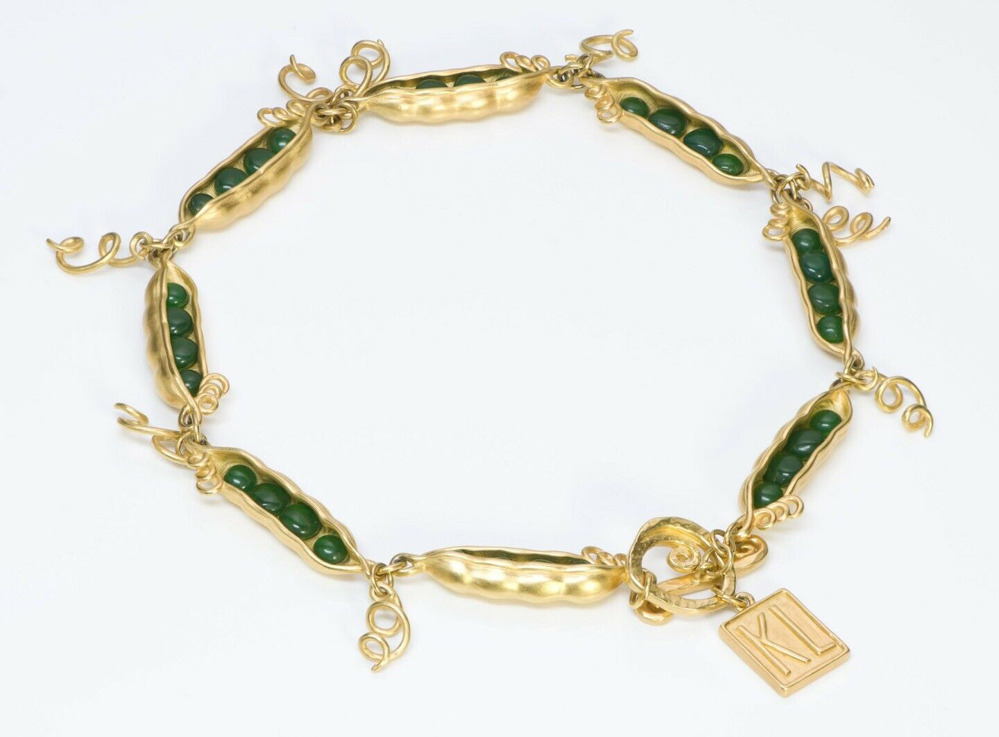 karl-lagerfeld-paris-peas-in-the-pod-green-glass-necklace