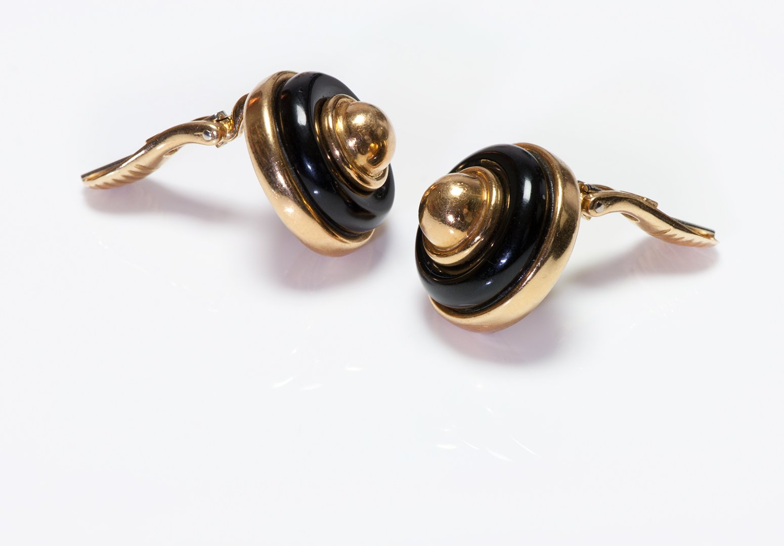 tiffany-co-onyx-18k-gold-button-dome-clip-earrings