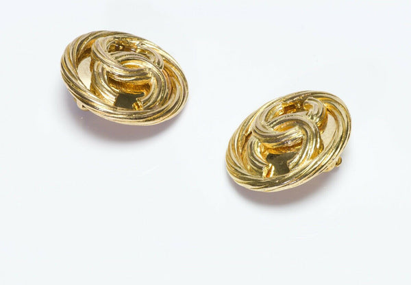 CHANEL CC Spring Round Earrings