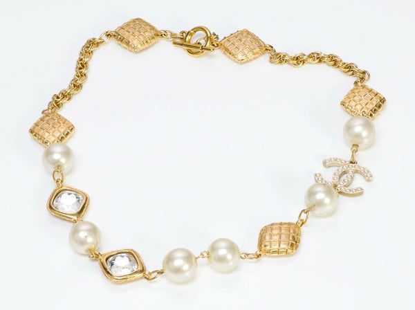 Vintage CHANEL CC 1970's Quilted Pearl Crystal Chain Collar Necklace