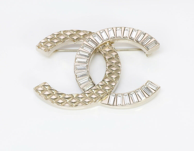 CHANEL CC 2018 Silver Tone Crystal Quilted Brooch
