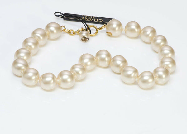 CHANEL Paris Pearls Choker Necklace