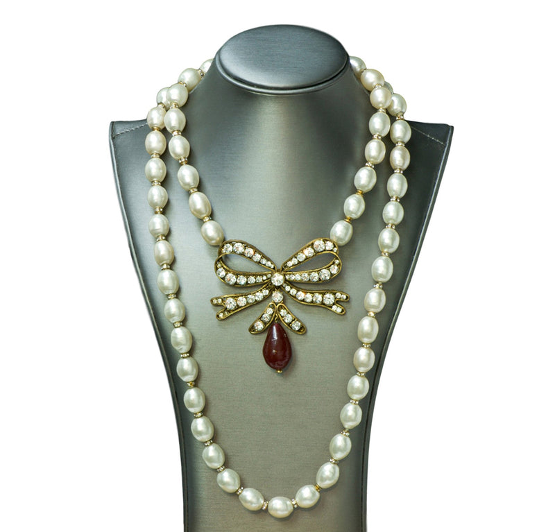 Coco Chanel Pearl Bow Necklace
