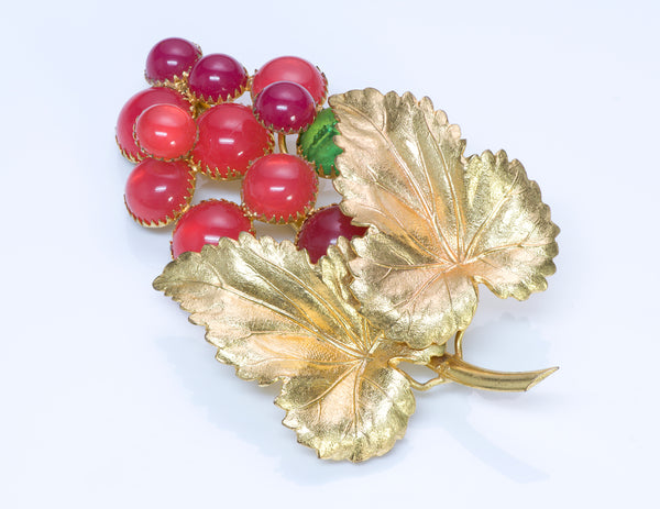 Countess Cissy Zoltowska CIS 1950 Glass Grape Leaf Brooch