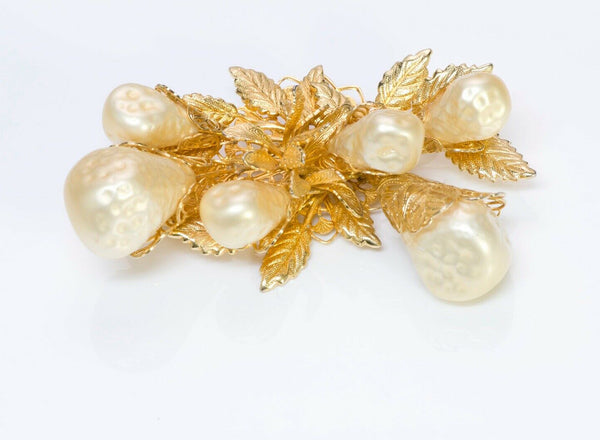 HOBE 1965 Baroque Pearls Leaf Brooch