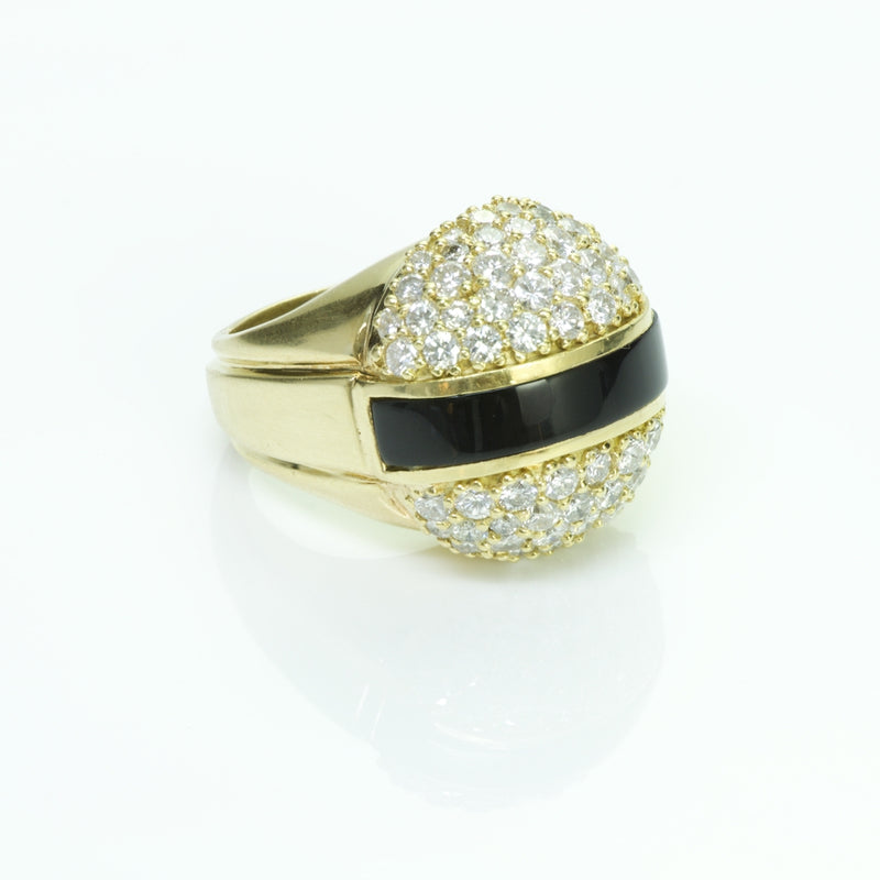 La Triomphe Gold Onyx Diamond Ring
