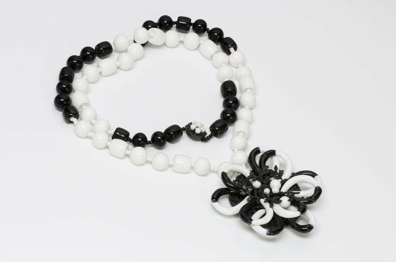 Miriam Haskell 1950's Black White Glass Beads Flower Necklace
