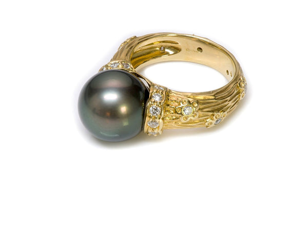 Tahitian Pearl 18K Gold Diamond Ring
