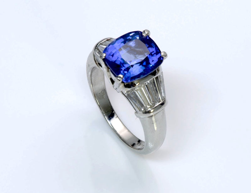 Tanzanite Diamond Platinum Ring