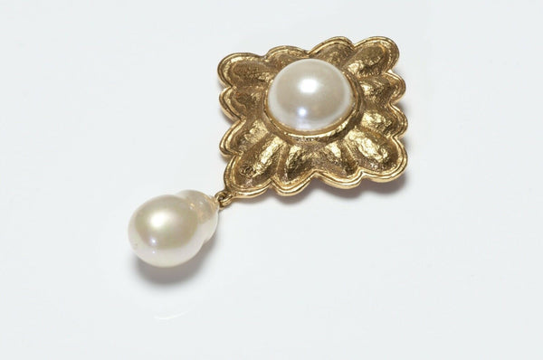 CHANEL Paris 1990's CC Faux Baroque Pearl Brooch