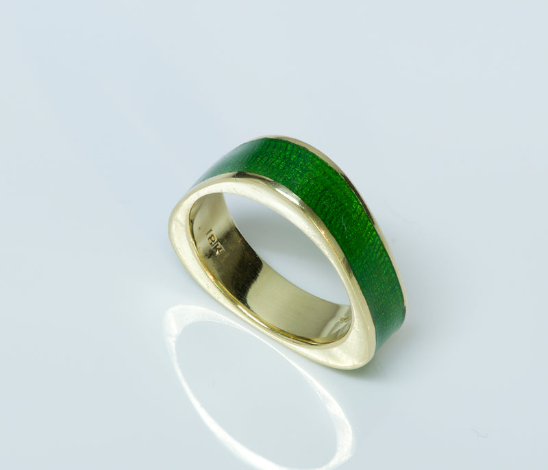 Tiffany & Co. Vintage 18K Yellow Gold Green Enamel Ring