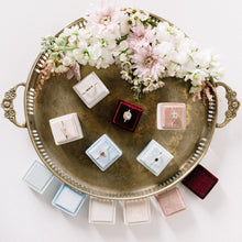 Load image into Gallery viewer, Velvet Ring box | Styling Collection