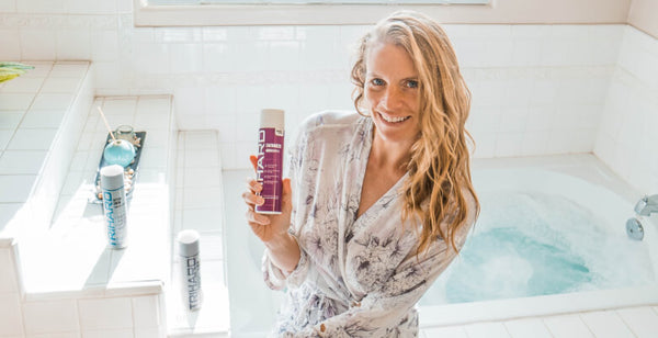 Use a swimmer's shampoo to protect your hair from chlorine in a pool