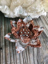 Load image into Gallery viewer, Orgonite Lotus Flowers