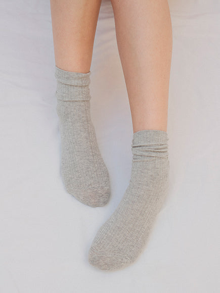 Cloud Grey Ribbed Cotton Socks - The Lake