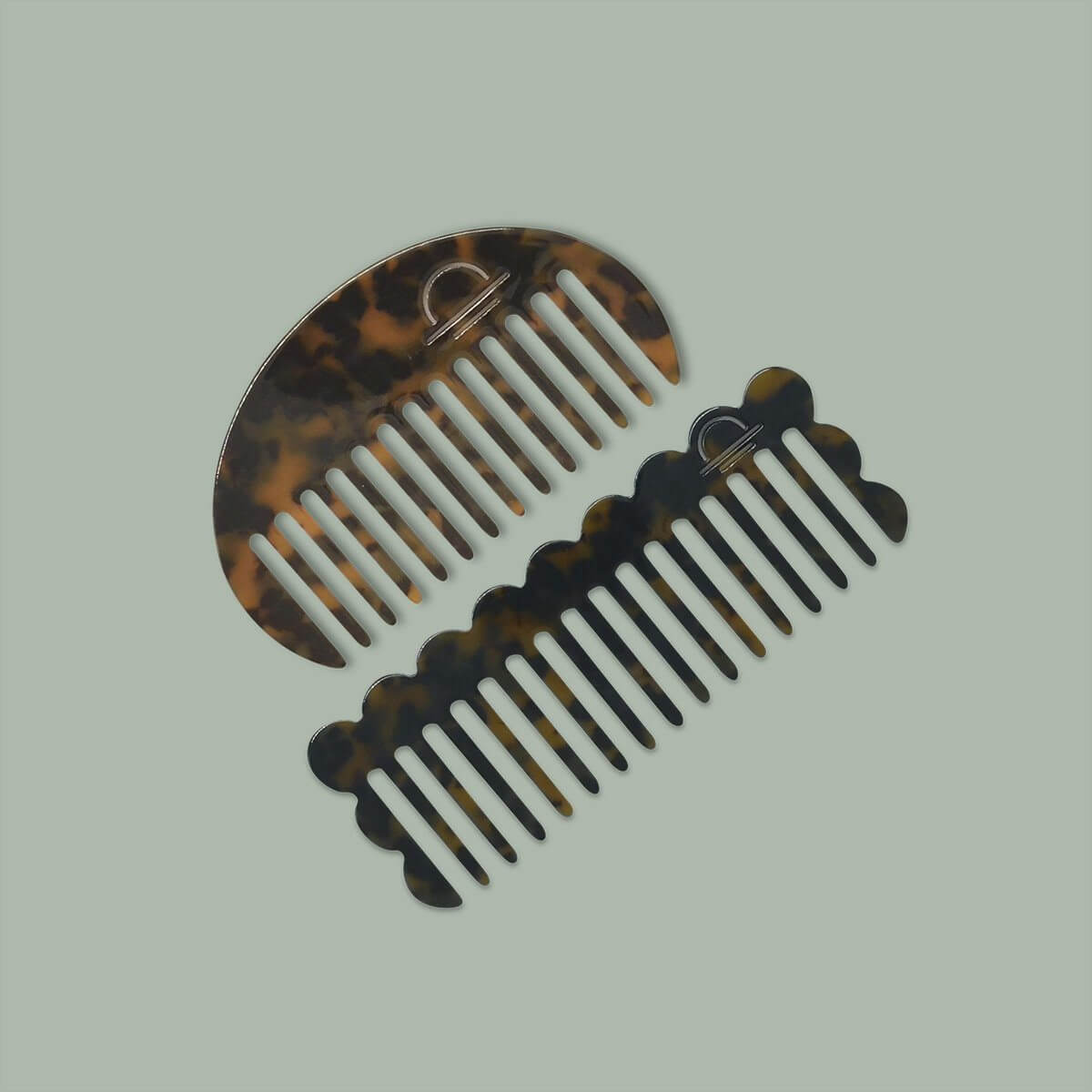 Acetate Round Comb Tortoiseshell - The Lake