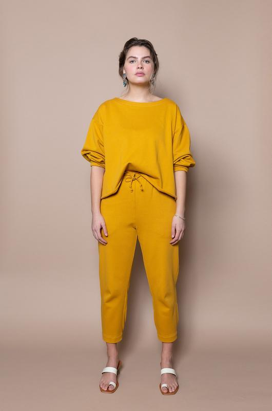 The Sweatsuit Set - Gold - The Lake