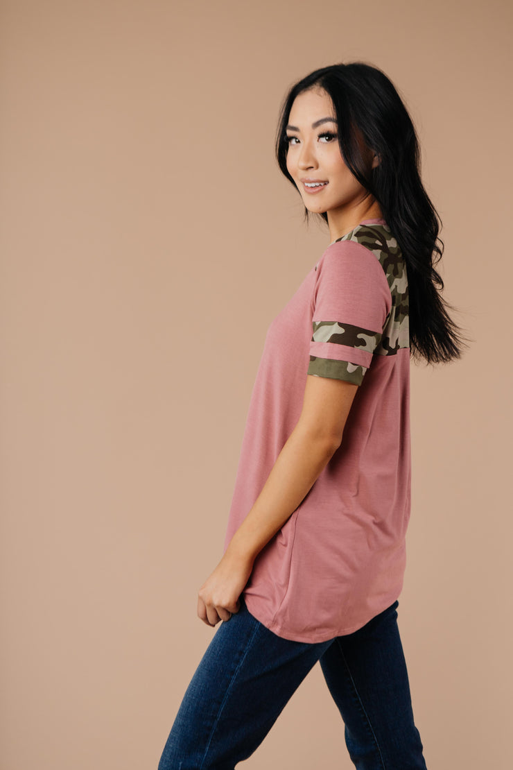 Armed & Dangerous Tee In Mauve