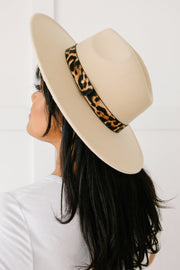 Stripe Of Sassy Hat in Ivory
