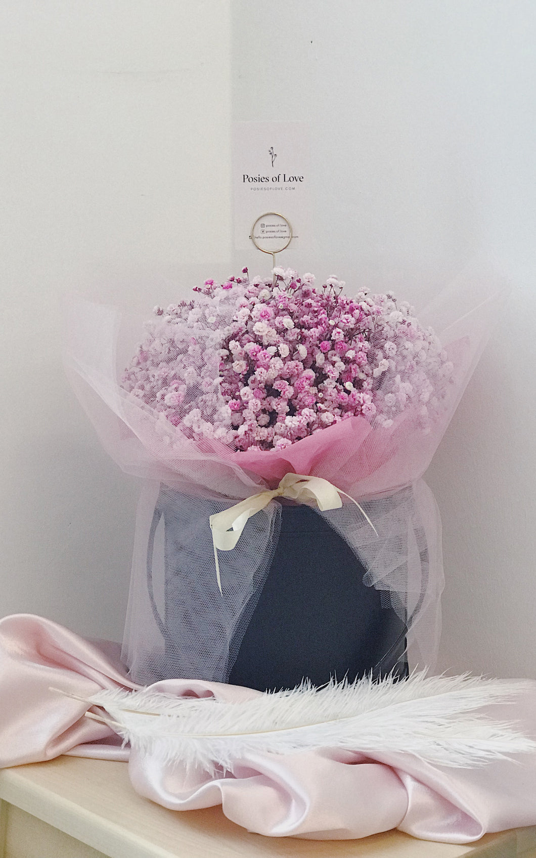 Baby's Breath Bloom Bucket (Pink-Black)