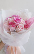 Load image into Gallery viewer, 12 Rose Bouquet (Duo Tone) 心心相印