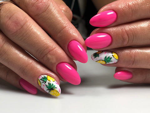 Tropical manicure with pineapples