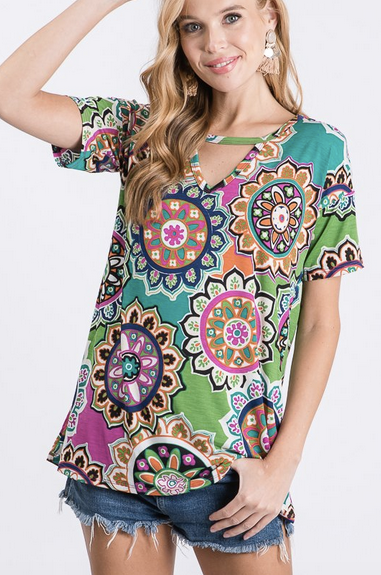 Short Sleeve Medallion Print Keyhole Neck Top