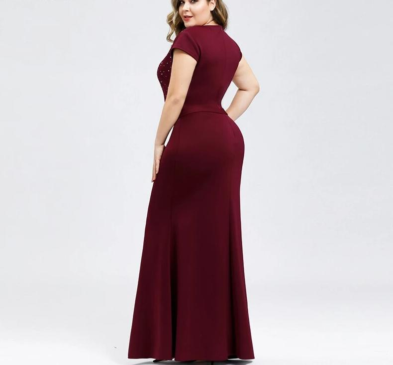 Plus Size Burgundy Mermaid V-Neck Beaded Elegant Party Evening Dresses