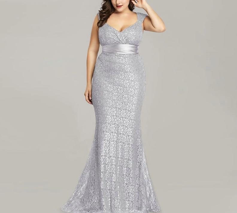 2019 New Fashion Long Lace Women Elegant V Neck Mermaid Formal Gowns Plus Size Party Dress