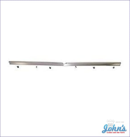 Trunk Molding Upper Center (Os1) A