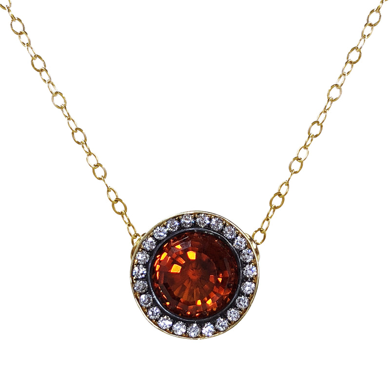 18K Yellow Gold Crownwork Garnet Pendant