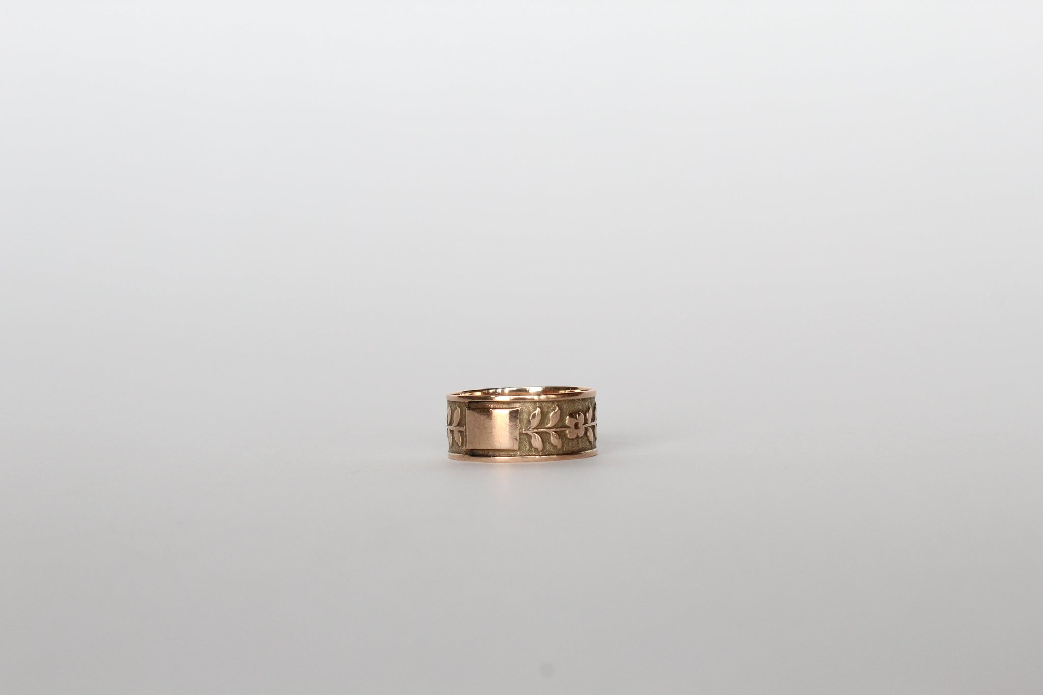 Vintage Victorian 14k Rose Gold Cartouche Floral Band