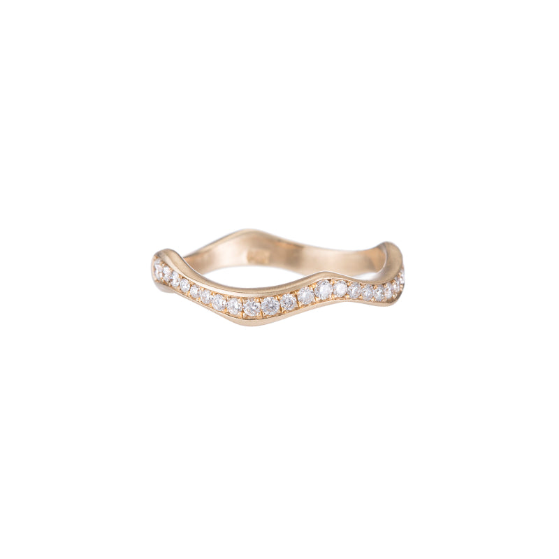 Wavy Pavé Wedding Band