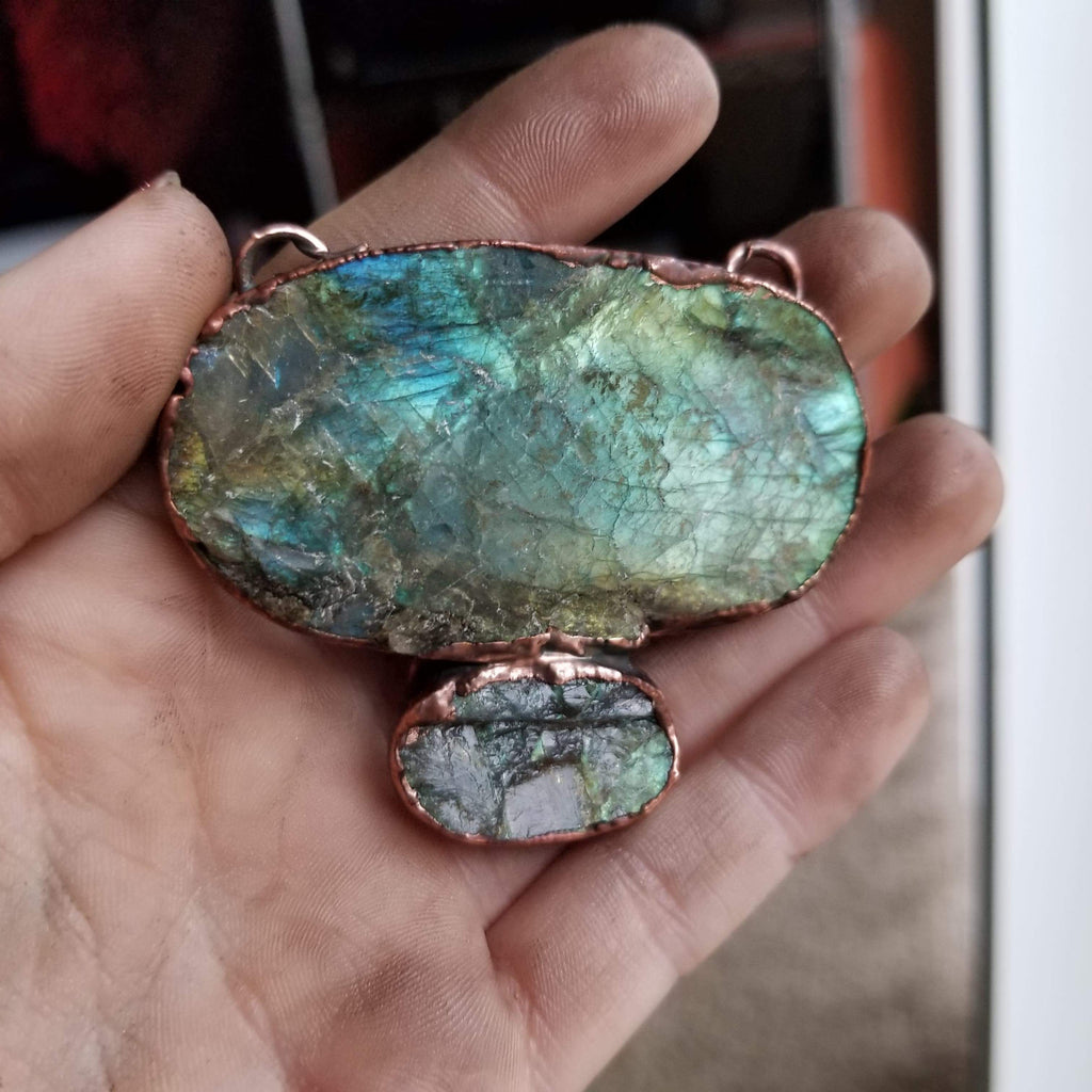 Beautiful Raw Face Labradorite Electroformed Statement Copper Necklace Crystal Necklace Copper Bug Jewelry