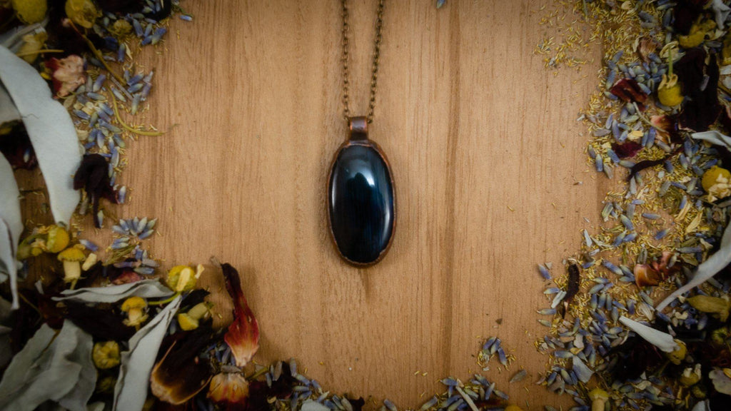 Delicate Striped Blue Labradorite Electroformed Copper Necklace Crystal Necklace Copper Bug Jewelry