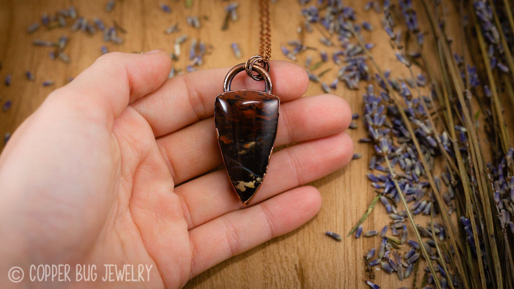 Sheild Shaped China Hollow Opal Electroformed Copper Necklace Crystal Necklace Copper Bug Jewelry