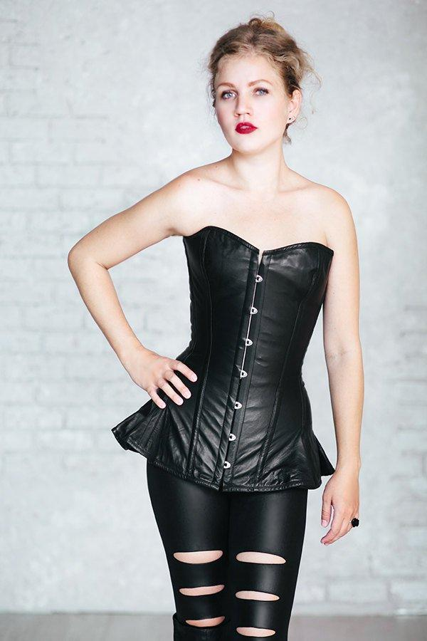 Exclusive long leather corset with frill, black, brown, white, red available. Gothic, rock, punk style corset, steampunk look is possible