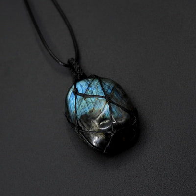Heart of dragon Labradorite Necklace - Magic & Mystery