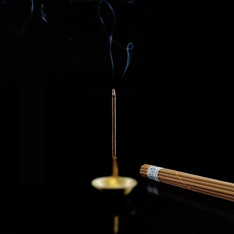 Tibetan sandalwood Incense sticks - Contains 72 kinds of natural spices.