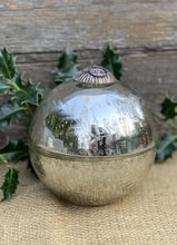 Load image into Gallery viewer, Antiqued Silver/Gold Wax Bauble - Cranberry Candle Large - Abigailshome