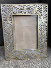 Load image into Gallery viewer, Gold Leaf Pattern Photograph Frame - Abigailshome