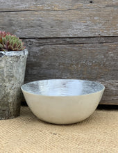 Load image into Gallery viewer, Hand Painted Capiz Shell Bowl - Cream And Silver - Abigailshome