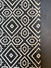 Load image into Gallery viewer, Handmade Rug - Black - Abigailshome