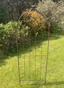 Little Bird Rustic Metal Trellis - Abigailshome
