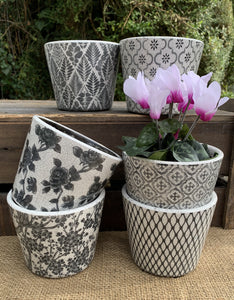 Old Style Dutch Floral Pots - Black - Abigailshome