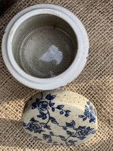 Load image into Gallery viewer, Small Ceramic Flower Pattern Pot - Abigailshome
