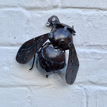 Load image into Gallery viewer, Small Rustic Metal Bee - Abigailshome