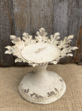 Load image into Gallery viewer, Vintage Leaf Candleholder - Cream - Abigailshome