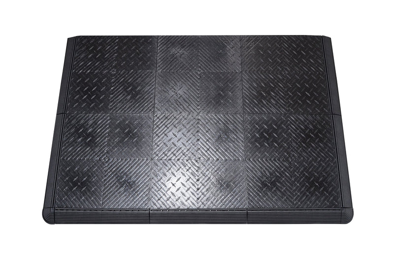 Black diamond plate anti-fatigue mat work mat closeup