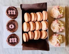 Mother's Day Rosette cupcakes & Macarons